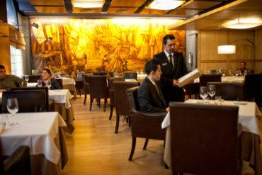 hoteles-ciudadvitoria-restaurante-restaurante-detalle-mural